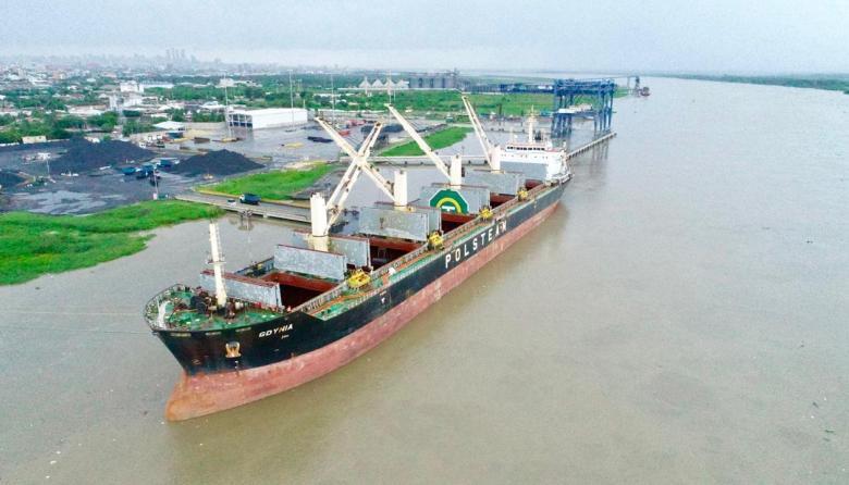 Dimar autoriza dos calados para el canal de acceso al Puerto