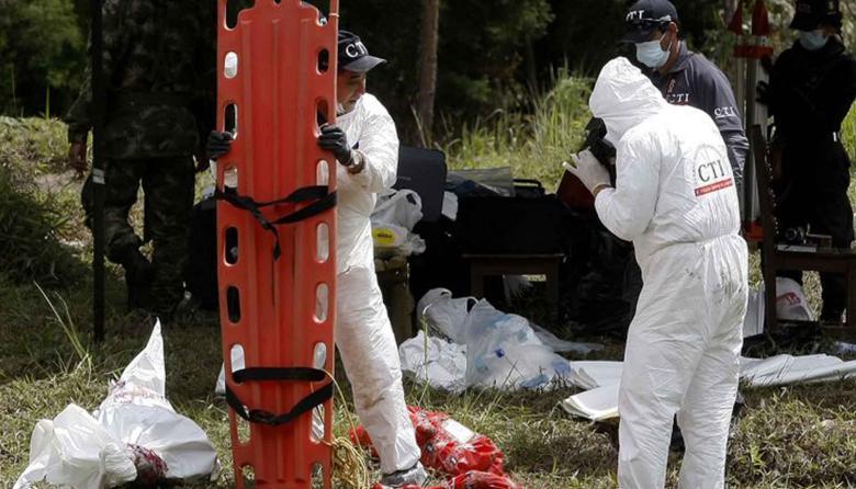 """La JEP desentierra el """"horror de la guerra"""" y recupera 17 cuerpos en Dabebiba"""