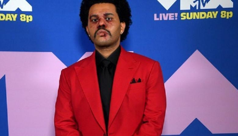 """The Weeknd acusa de """"corrupción"""" los Grammy tras no recibir nominaciones"""
