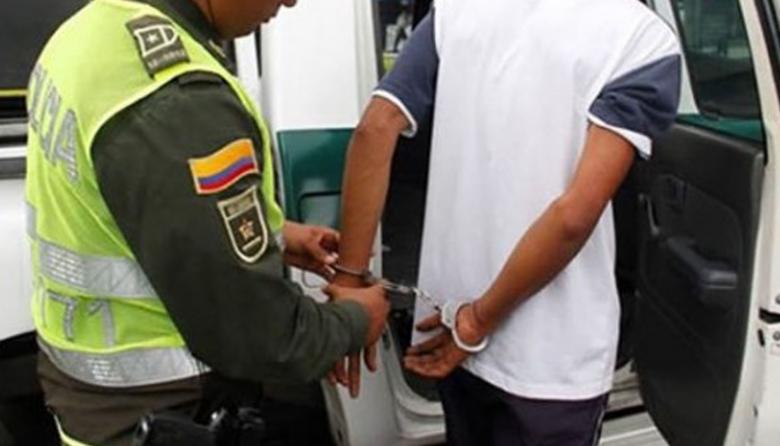 Cayó policía por paseo millonario a conductor en la Zona Bananera