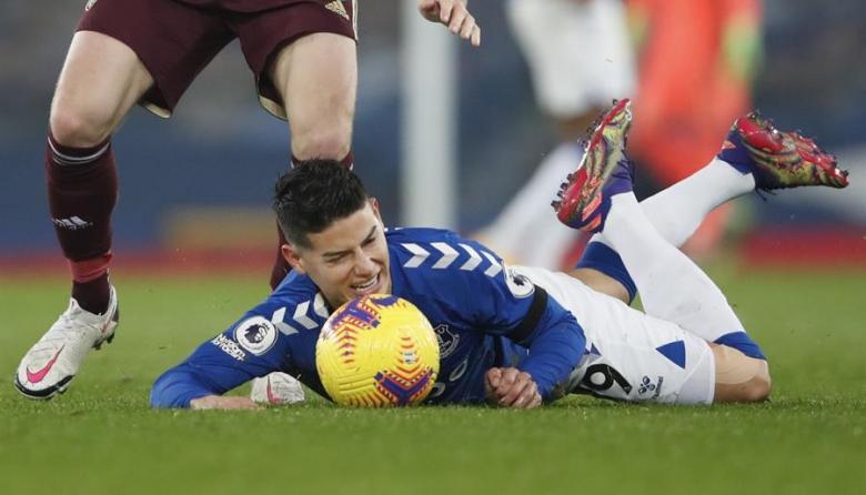 Everton, con James Rodríguez titular, perdió ante el Leeds de Bielsa