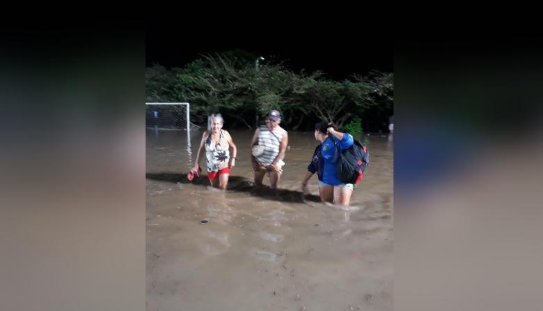 Se desbordó el río Guachaca
