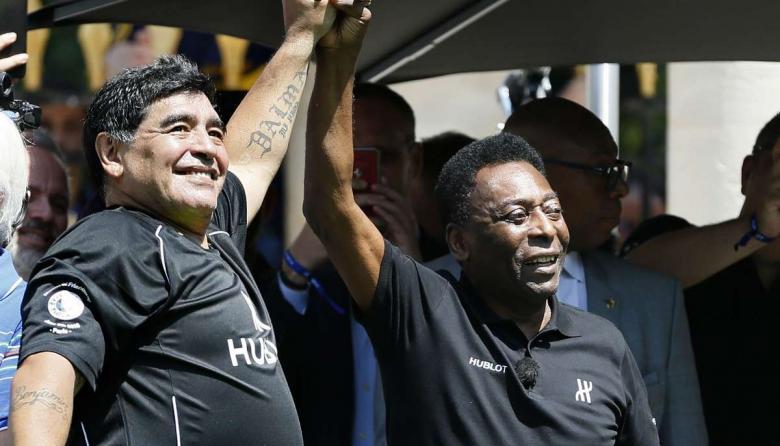 """Eres incomparable; te amo, Diego"": Pelé"