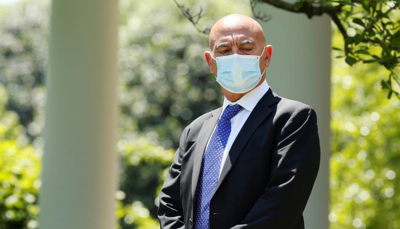 """Moncef Slaoui, asesor jefe de la Operación """"Warp Speed""""."""