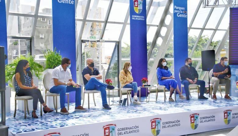 Presentación del programa en el Cubo de Cristal de la Plaza de la Paz.