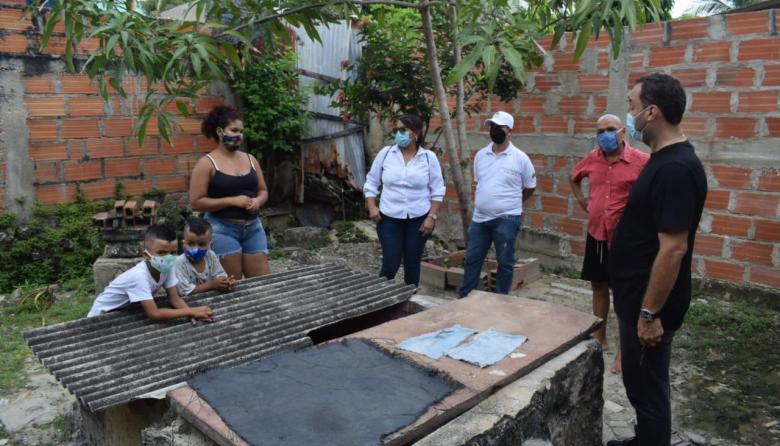 Entregan más ayudas a familias damnificadas por las lluvias