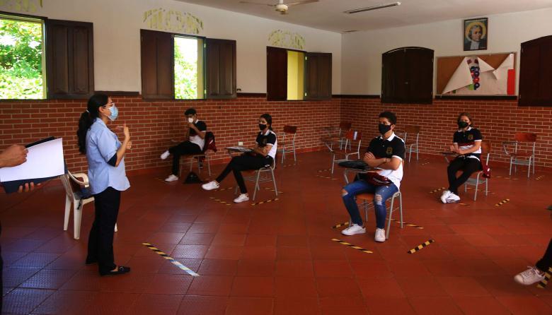 Avanza plan de alternancia en colegios de Barranquilla