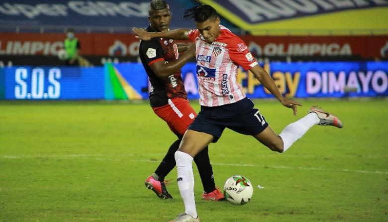 Gabriel Fuentes no viajó a Chile con Junior