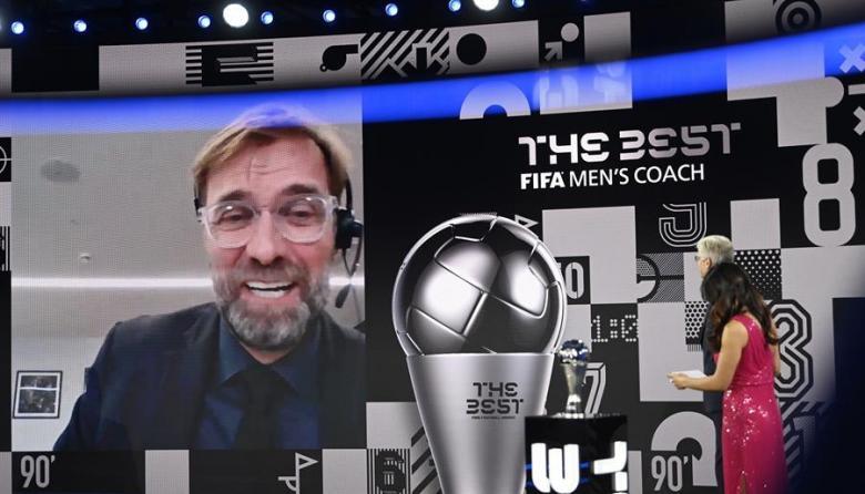 Jürgen Klopp recibió el galardón a mejor entrenador del 2020