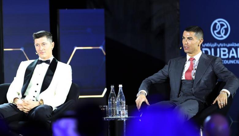 Robert Lewandowski y Cristiano Ronaldo estuvieron presentes en la gala.