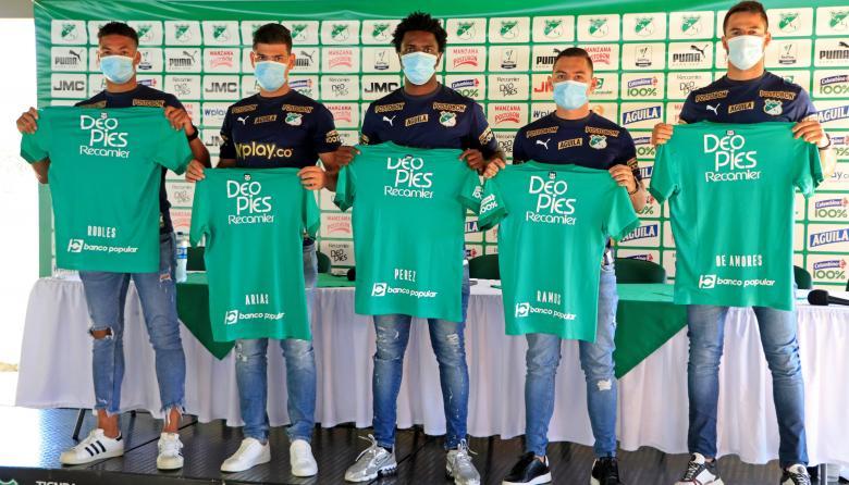 Carlos Robles, Jorge Arias, Marco Pérez. Michell Ramos y Guillermo De Amores.