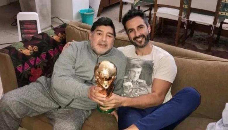 Investigan si médico de Maradona falsificó su firma