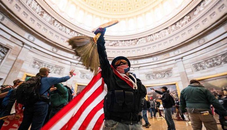 Autoridades comienzan a arrestar en EE.UU. a los asaltantes del Capitolio