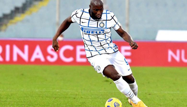 Lukaku rescata al Inter y habrá derbi con el Milan en cuartos de la Copa