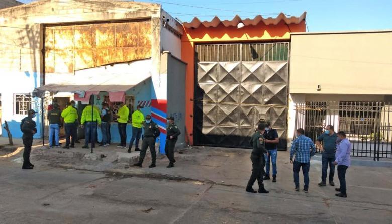 Policía detiene a tres hombres por atentado con granada en el Centro