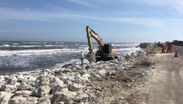 Entregan resultados de estudio para mitigar erosión en la vía a Ciénaga
