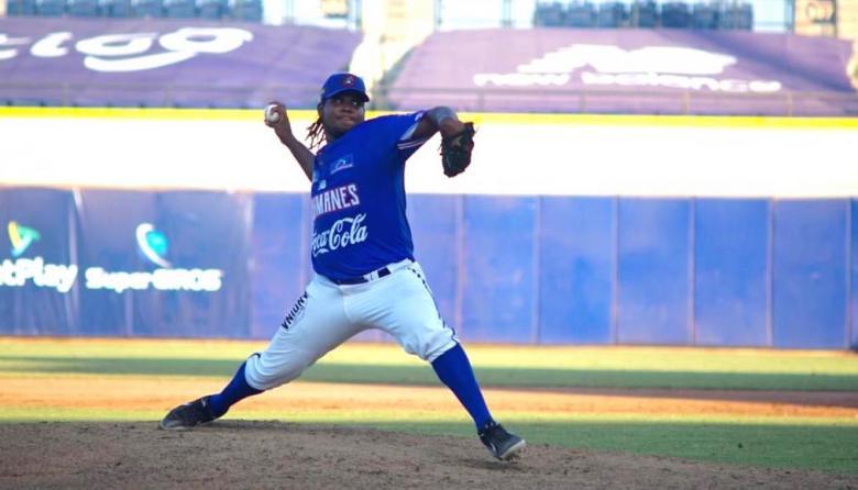 Eduar López sigue en trámite de visado y es esperado por Caimanes