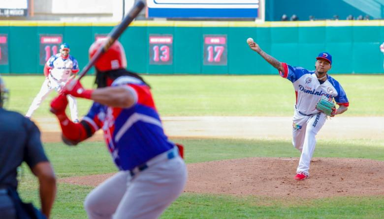 Carlos 'Tsunami' Martínez, grandesligas con los Cardenales, abrió y ganó el juego por la República Dominicana.