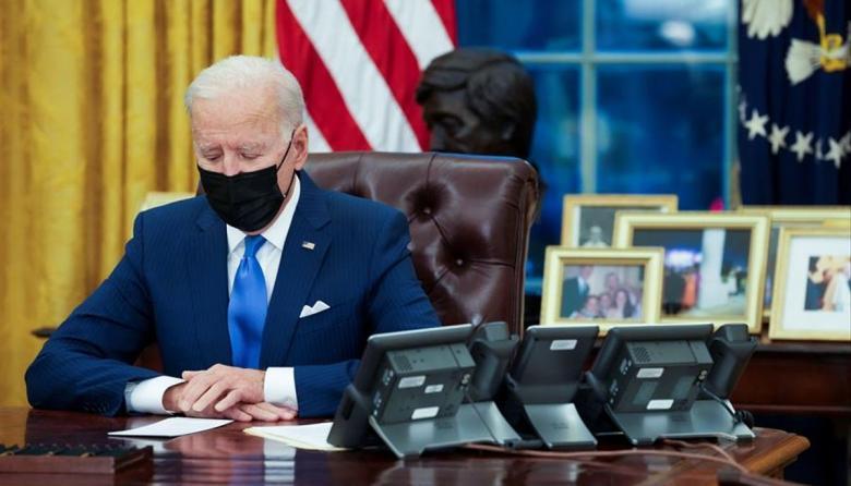 Biden suavizará los criterios para deportar inmigrantes
