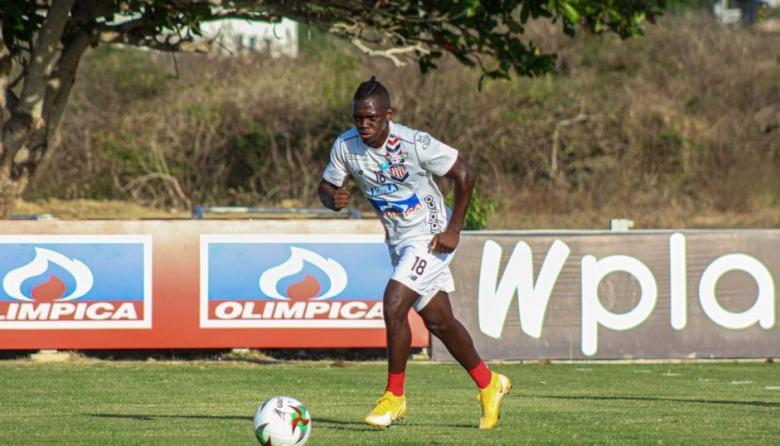 Edwuin Cetré se encuentra en la lista de 18 jugadores que viajó este viernes a Tunja.