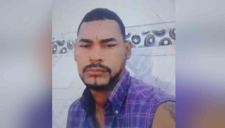Tatuador fue asesinado con un machete en Manatí