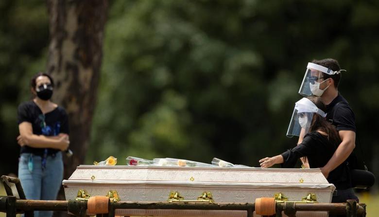 Brasil supera por primera vez los 3.000 muertos por covid en un día
