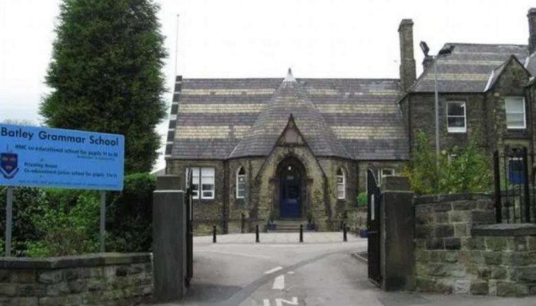 Gobierno británico condena intimidaciones a profesor por dibujos de Mahoma