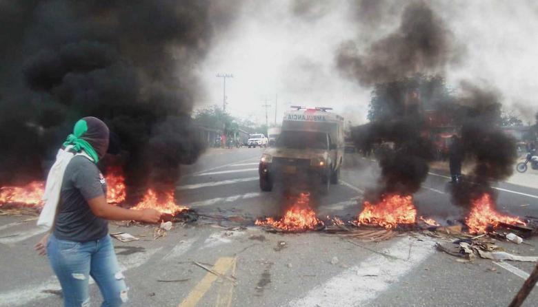 Protesta bloqueó el paso por una troncal en Sucre durante 2 horas