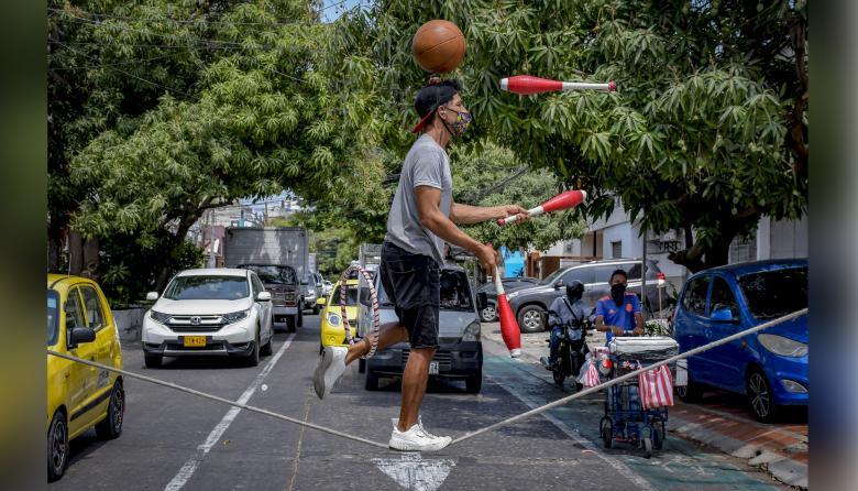 Malabaristas callejeros en Barranquilla