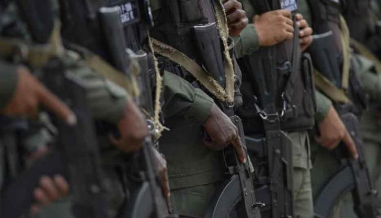 Venezuela enviará mil milicianos a zona fronteriza donde combate desde marzo