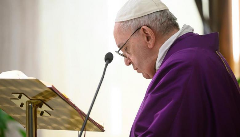 """El papa convoca una """"maratón de oración"""" por el final de la pandemia"""