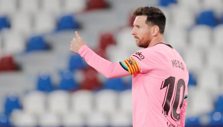 Una camiseta de Messi recauda 9.400 euros para el tratamiento de un niño