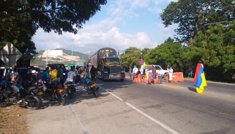Bloqueo en la Troncal del Caribe por protesta en Ciénaga