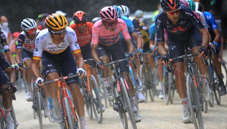 Egan Bernal sigue líder del Giro de Italia tras la etapa 12