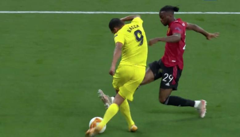 La rabona de Carlos Bacca en la final de la Liga de Europa