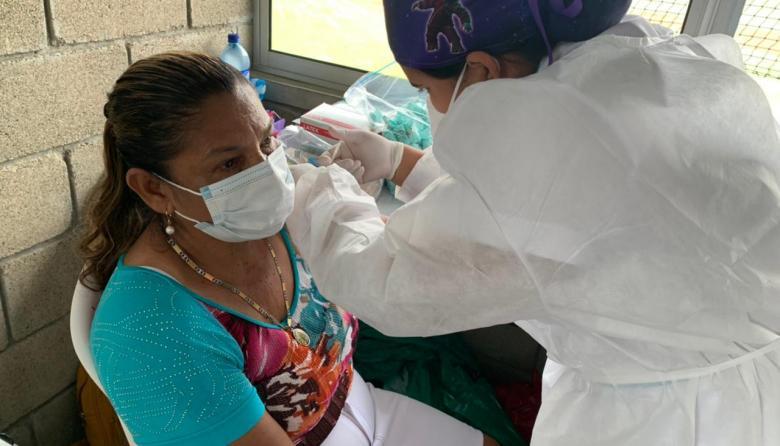 Inició vacunación masiva en el estadio de béisbol de Montería