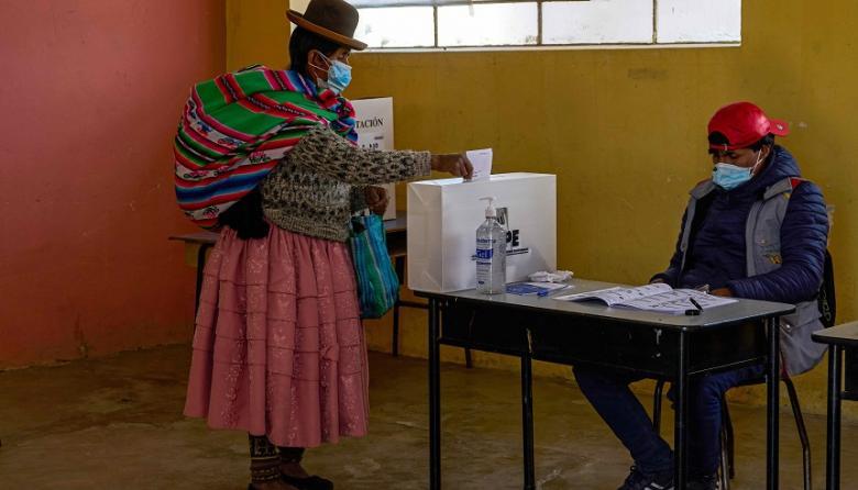 Con normalidad avanzan elecciones en Perú