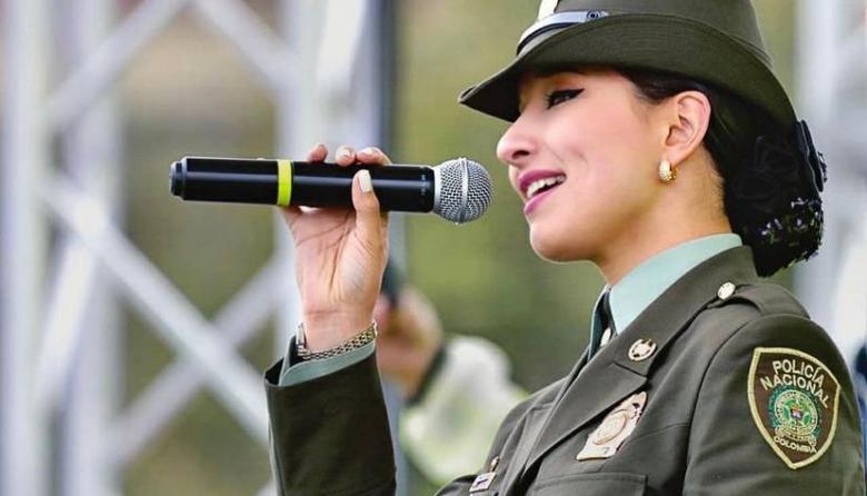 Juliana Pabón, la patrullera que canta por la paz de Colombia