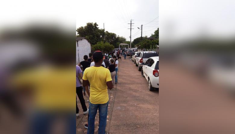 Por aglomeraciones suspenden vacunación en zona rural de Montería