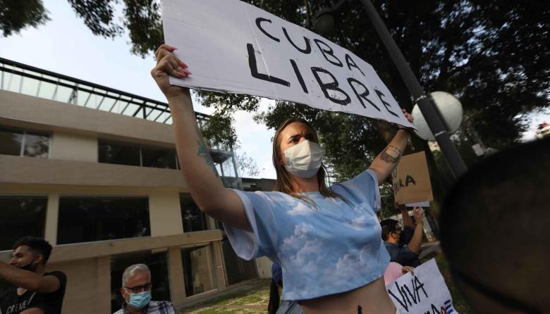"""EE. UU. exige a Cuba que reabra internet y """"respete la voz del pueblo"""""""