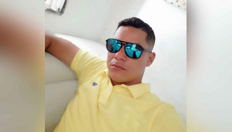 Hombre es asesinado a tiros en las afueras de un billar en Soledad