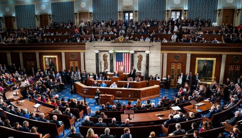 Senado de EE.UU. aprueba plan de infraestructuras de USD 1,2 billones