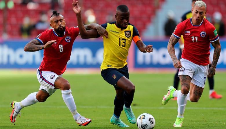 Chile prepara un partido clave sin Eduardo Vargas ni Sebastián Vegas