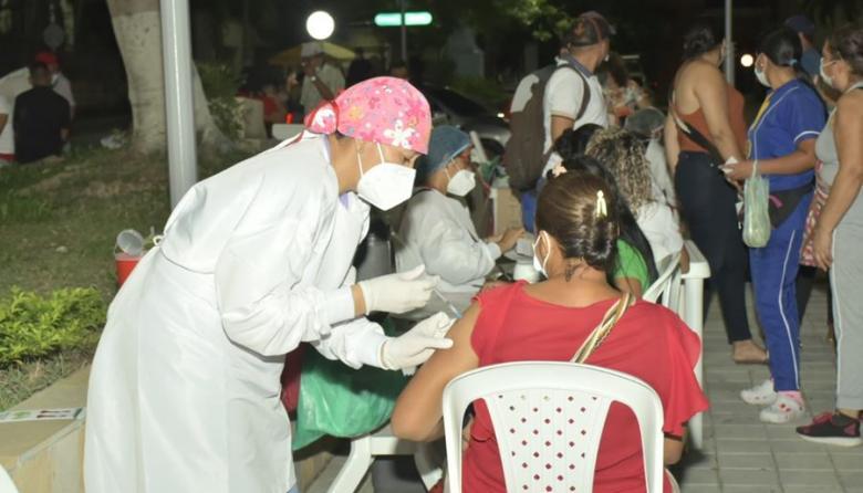 La 'vacunatón' en Sucre sigue siendo exitosa