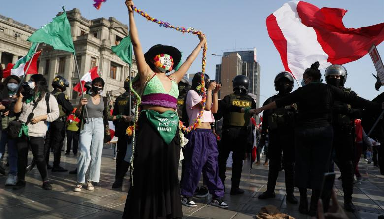 Con plantón, mujeres en Perú piden aborto legal