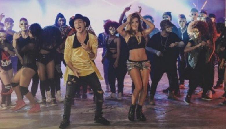 Este es el video oficial  de 'Una Cosa Loca' de Twister El Rey