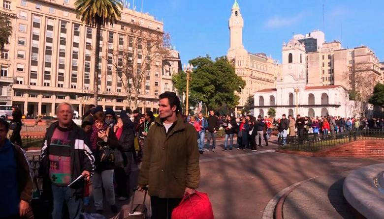 En video | Productores argentinos regalaron más de 30.000 kilos de bananas