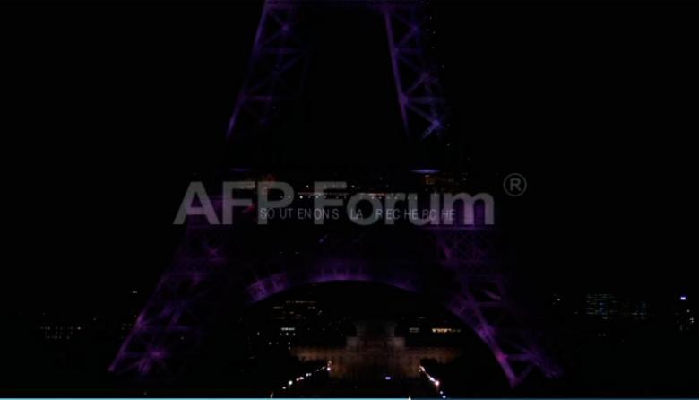 La torre Eiffel se suma a lucha contra el cáncer de mama