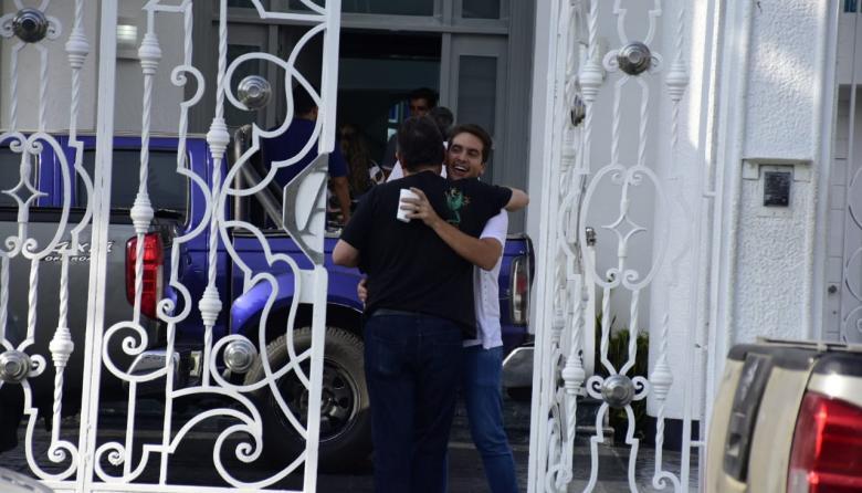 En video | Así fue el reencuentro del empresario Fito Acosta con sus familiares