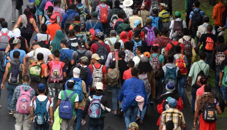 La impresionante caravana de migrantes que desafía a Trump
